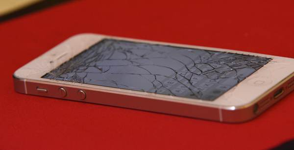 The complete lunatic's guide to putting on a screen protector